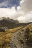 Sentiero per pedoni nelle alpi francesi Fotografia Stock
