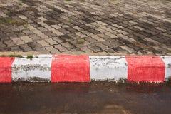 Sentiero per pedoni nessun parcheggio Fotografie Stock