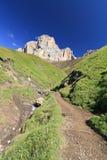 Sentiero per pedoni sulle dolomia Immagine Stock
