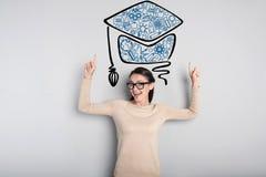 Sentiment émotif d'étudiant excité après obtention du diplôme Images stock
