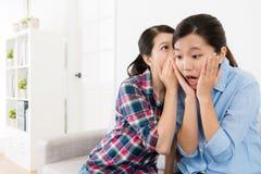 Sentiment attrayant de fille étonné et choqué Image libre de droits