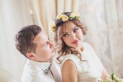 Sentiment de marié de jeune mariée Images libres de droits