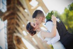 Sentiments épousant le baiser Photographie stock