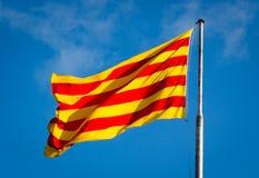 Senyera Offizielle Flagge von Katalonien lizenzfreie stockbilder