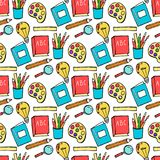 Senza cuciture colorato di nuovo al modello della scuola con gli elementi stazionari e creativi dei rifornimenti Linea sveglia di illustrazione vettoriale