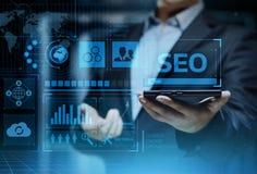 SEO搜索引擎优化营销等级交通网站互联网企业技术概念 库存图片