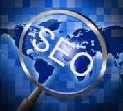 Seo Magnifier Indicates Websites Searching y web Foto de archivo libre de regalías