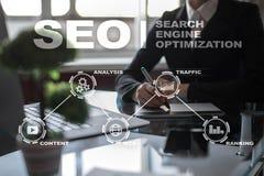 SEO Optimização do Search Engine Conceito em linha da tecnologia do mercado de Digitas Fotografia de Stock Royalty Free