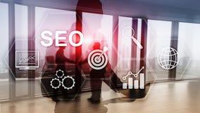 SEO - Optimización del Search Engine, márketing de Digitaces y concepto de la tecnología de Internet en fondo borroso ilustración del vector