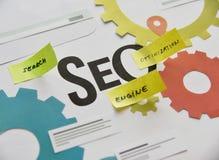 SEO para el sitio web, app, comercio electrónico, medio social, establecimiento de una red, márketing de Internet Imagenes de archivo