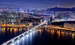 Seoel bij nacht, Zuid-Korea Stock Afbeeldingen