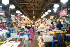 Seoel, Zuid-Korea, Mei 15, 2017 De markt van Noryangjinvissen Stock Fotografie