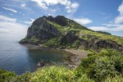 SeongSan Ilchulbong (cone vulcânico) na ilha de Jeju, Coreia do Sul imagem de stock