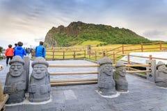 Seongsan Ilchulbong, también llamado Sunrise Peak y que es un Wor fotos de archivo