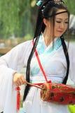 Señora china en trajes tradicionales Imagen de archivo