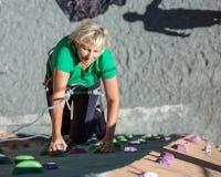 Señora envejecida Doing Extreme Sport Fotografía de archivo