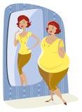 Señora llena y su reflexión delgada Foto de archivo