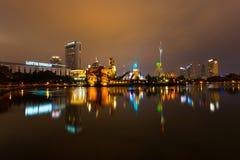 Noite do parque temático do divertimento de Seoul Coreia do mundo de Lotte Fotografia de Stock