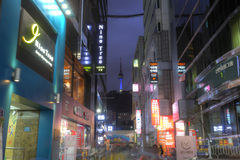 SEOUL, COREIA DO SUL - 9 DE NOVEMBRO: Distrito do Myeong-dong em Seoul com t Imagem de Stock Royalty Free