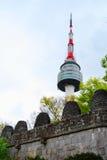 Seoul-Kontrollturm während der Tageszeit stockfoto