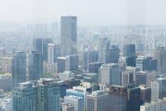 SEOUL KOREA - APRIL 24, 2015: Flyg- sikt av Seoul Arkivbilder