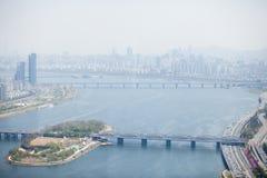SEOUL KOREA - APRIL 24, 2015: Sikt av Seoul från 63 som bygger, K Royaltyfria Bilder