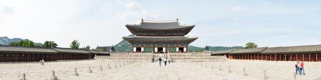 SEOUL KOREA - SEPTEMBER 04, 2009: Panoramasikt av Geunjeongjeo Arkivbild