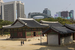 SEOUL - 21. OKTOBER 2016: Deoksugungs-Palast in Seoul, Süd-Kore Stockbild