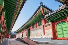 SEOUL, SÜDKOREA - 19. JANUAR: Touristen, die Fotos machen Lizenzfreie Stockbilder