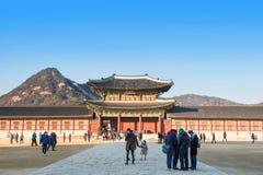 SEOUL, SÜDKOREA - 17. JANUAR: Touristen, die Fotos machen Lizenzfreie Stockfotos