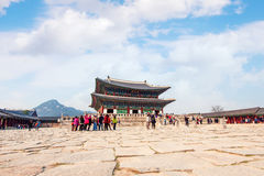SEOUL, SOUTH KOREA - APRIL 9: Tourists taking photos. Royalty Free Stock Photography