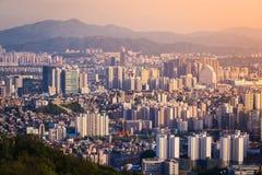 Seoul stad i solnedgång Arkivbilder
