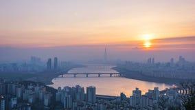 Seoul stad och Lotte Tower, Sydkorea Tid schackningsperiod 4K lager videofilmer