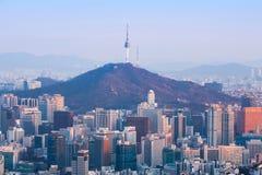 Seoul stad och torn för N Seoul Arkivfoto