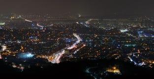 Seoul stad på en vinternatt Royaltyfria Bilder