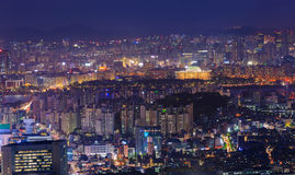 Seoul stad på natten med Han River Fotografering för Bildbyråer