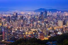 Seoul stad på natten, Sydkorea Arkivbild