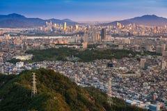 Seoul stadshorisont, Sydkorea Arkivbild