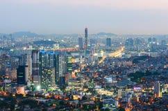 Seoul-Stadt nachts, Südkorea stockbilder