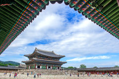 SEOUL SYDKOREA - JULI 17: Gyeongbokgung slott det bästa Royaltyfria Bilder