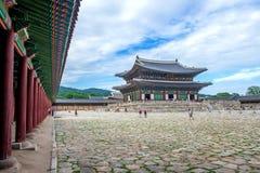 SEOUL SYDKOREA - JULI 17: Gyeongbokgung slott det bästa Fotografering för Bildbyråer