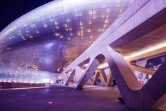 SEOUL SYDKOREA - MARS 15: Dongdaemun designPlaza Arkivfoton
