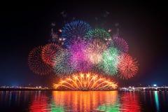 Seoul-Turm und -Feuerwerk Lizenzfreie Stockfotografie