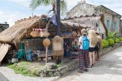 Sep 21,2017 zakupu Turystyczny prezent przy Ivatan wyspą, Batanes Zdjęcia Royalty Free