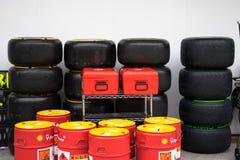 SEPANG - 28. MÄRZ: Räder, Reifen und Öl Stockbilder