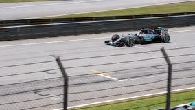 SEPANG - 28 MAART: Lewis Hamilton in Kwalificerende Zitting Stock Fotografie