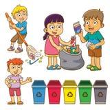 A separação do desperdício da criança para recicla Fotografia de Stock