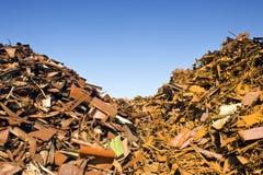 Separação do desperdício do montão da sucata Foto de Stock