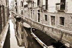 Малый канал, винтажный стиль sepia, Венеция Стоковая Фотография RF