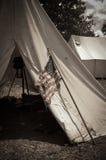 Sepia-Bürgerkrieg-Lager mit amerikanischer Flagge Stockfotografie